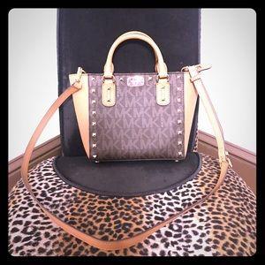 Small Micheal Kors purse